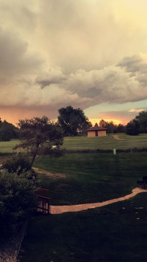 Goodmorning 💖 // Sunrise Cloudy Golf Golfcourse Colorful Sky Colorado Simple Photography Tranquility