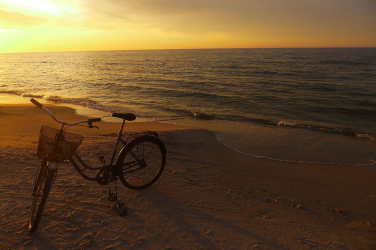 Beachcycle Bicycle Bicyclemagichour Sunsetbeachscene Sunsetcycling Sunsetbicycle Memories Of Summer Feel The Journey