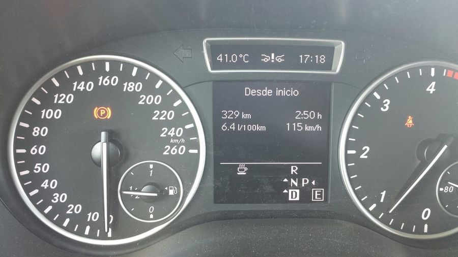 Hot Day Into My Car ......horror!!!! 41 grados ....y subiendo