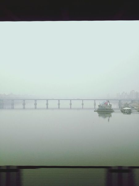Big Smog In Subway Han River Cityscape @korea seoul chungdam-dong [seoul subway Line7 on chungdam subway bridge] @Samsung GALAXY NOTE10.1