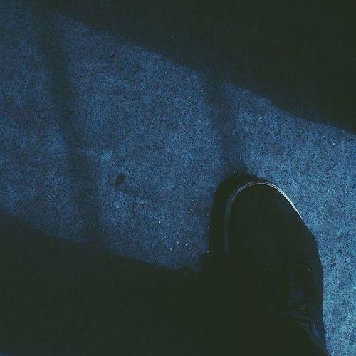 Deep blue. 🌀 © Blue Jeans Dark Ootd Shoes Globe Globesneakers Sneakers Skate Jean Insta VSCO Vsxop5 Vscocam Vscophile Photographer Insights Perspective Composition Film Blog