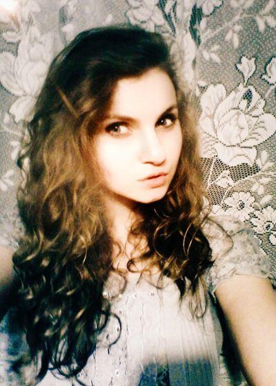Beautiful Girl Hello World Selfie ✌ Beautiful ♥ Sweet Girl Cutegirl Beauty 👌✨😽❤💚💜💙💛💋💋💋📷🎼🎼🎶 Today's Hot Look Model Pose Selfportrait