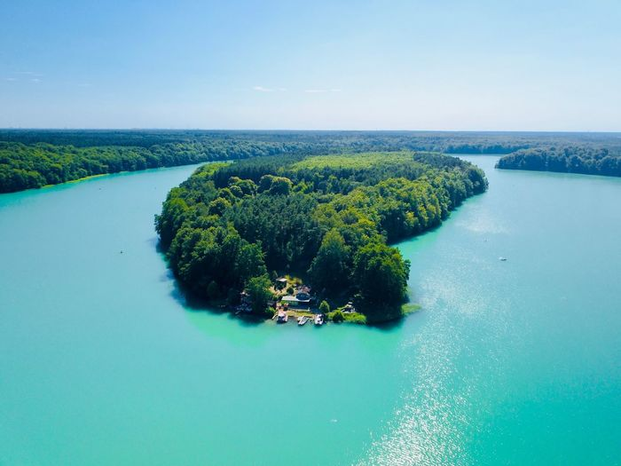 Was eine geile Farbe Green Color Green Wandlitz Liepnitzsee Dronephotography Drone  Water Beauty In Nature Sea Scenics - Nature Nature No People Plant Tranquility Tranquil Scene Sky Idyllic Green Color Day Waterfront Blue Island Tree Outdoors Growth Turquoise Colored The Great Outdoors - 2018 EyeEm Awards
