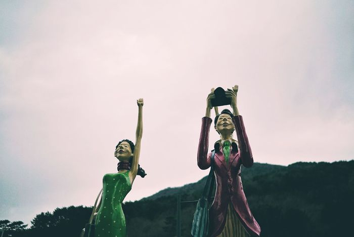 Korea Photos Character Characterdesign Statue Garden Comic Comic Style Fun Two People People Leisure Activity Arts Culture And Entertainment Portrait Human Body Part Young Women Travel Togetherness Young Adult Sky Outdoors Day Vacations Beach Streamzoofamily Streamzoofamily Friends