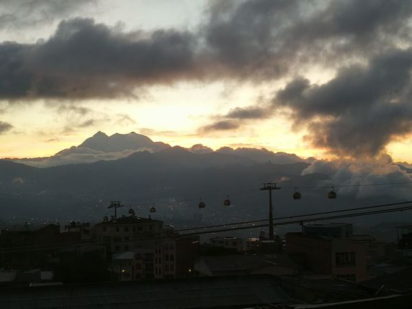 Amanecer en La Paz, Illimani Montañas Nevadas Amanecer Illimani Sunset Fog Cloud - Sky Landscape Nature No People
