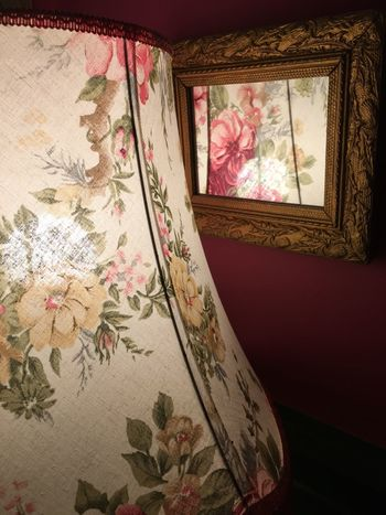 Floral Pattern Home Interior Old-fashioned Close-up This Is England England Mirror Reflection
