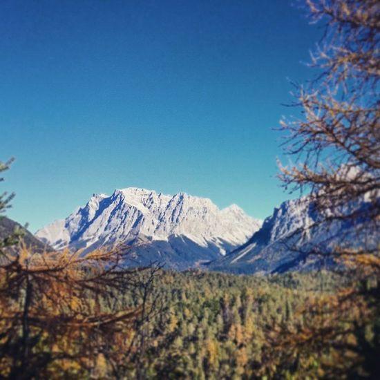 Zugspitze Alps Alpen Bergen MountainsTirol  Herbst Zugspitzblick