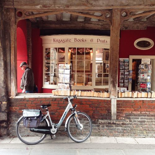 Kingsgate bookshop Winchester Relaxing bookshop Kingsgate winchester Hampshire  england