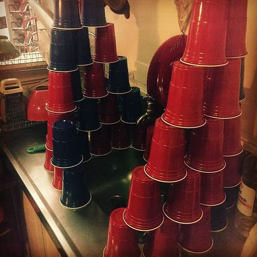 Plastic cup fort. Partycups Redcups Beerpong