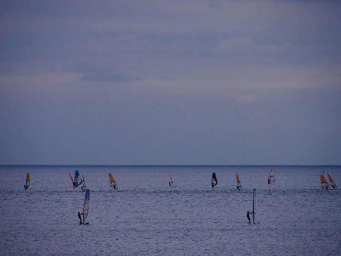 由比ヶ浜 Yuigahama Sea Horizon Over Water Water Sky Waterfront Ocean Sea And Sky Wind Surfing Wind Surfer