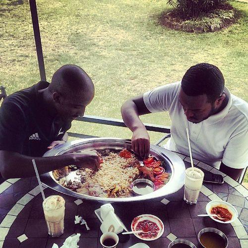 Haya Watuwakosherehe Lahmmendi ArabianCuisine food dateshakewithvanillaicecream grass blackandwhite share @jibril_a @carpenterfixman