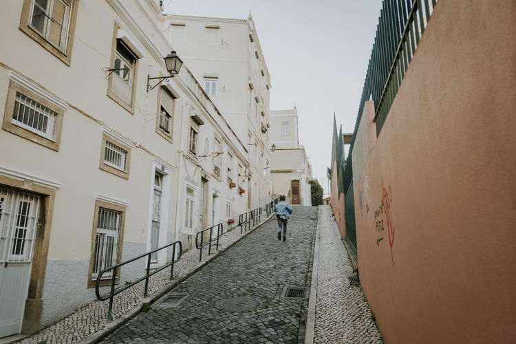 Run City Street Real People One Person Direction Rear View Diminishing Perspective Alley Running Man