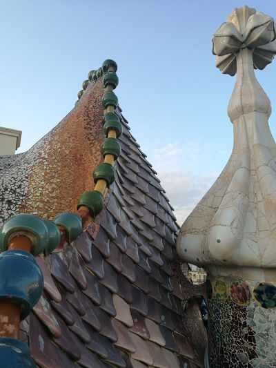 Escamas Dragon Columna Vertebral Barcelona, Spain Casa Batllo. Gaudi Gaudì Architecture Work Barcelona, Spain On Sale Humanity Meets Technology City Beauty Place Of Worship Royalty Ancient Civilization Ancient Spirituality Religion History Business Finance And Industry