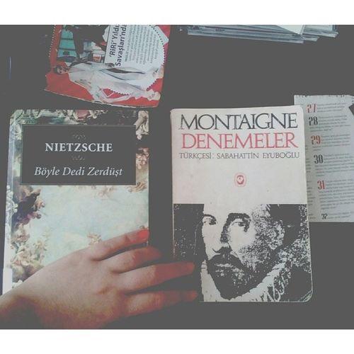 Başucu eserlerinden en özelleridir, zaman zaman birkaç sayfasını açar birkaç cümlesini okur, kapatırım Nietzsche Montaigne Book Myfav