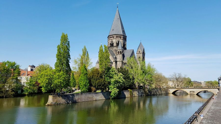 Bridge Water Waterfront River Fluss Schloss Metz Metz, France Frankreich France Travel Destinations Travel Photography Travel Traveling Pupparazzi Water Reflection River Tree Architecture History Bridge - Man Made Structure Nature Building Exterior No People Outdoors City
