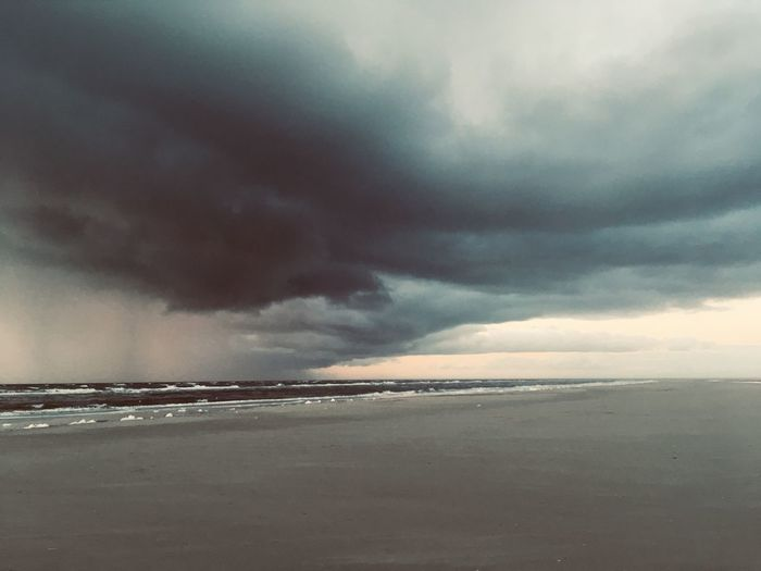 Cloud - Sky Sky Sea Water Scenics - Nature Beauty In Nature Beach Nature Land Dramatic Sky Tranquility Tranquil Scene Horizon Over Water Environment Horizon No People Storm Storm Cloud Outdoors Power In Nature