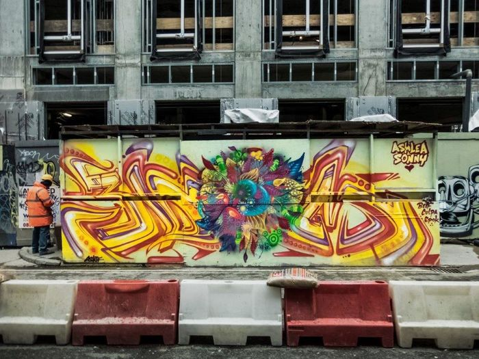 Spray Paint STRRET ART/GRAFFITI UrbanART Streetartphotography StreetArtEverywhere Graffiti Art Urbanarts Creativity London Londra LONDON❤ Londres England🇬🇧 Spray Can Artwork Street Art Streetart Graffiti Street Multi Colored Graffiti & Streetart Outdoors