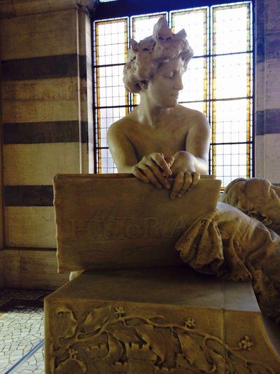 Madrid Spain Madrid España Indoors  Home Interior No People Day Statue Animal Themes Lion - Feline Architecture