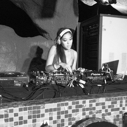 """""""DJ @katsilly warming up Liquid Lounge for @E_Wonderland2013"""" Rave Raveparty Edm Party manila summer summer2013 electro electrowonderland"""