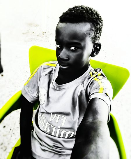 Blackandwhite Noir Et Blanc Green Fly Emirates Realmadrid Madrid Blackandwhite Photography Eyemphotography Photography Hello World Capaila Photo's Selfie Time Man Black Kids