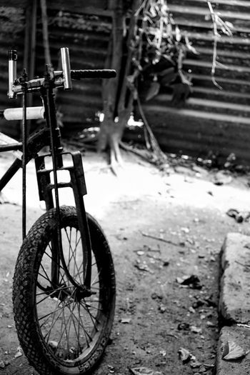 Bicycle Mode Of Transport Transportation Land Vehicle Outdoors No People Day Close-up Nature Spoke