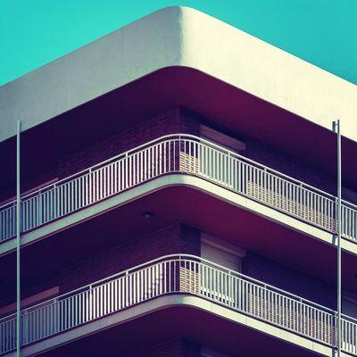 The warm corner | La esquina caliente Architecture Corner Balconies Urbanexploration