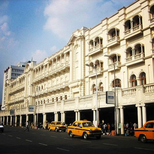 Hotelgrand Kolkata WestBengal Esplanade Taxi Yellow Parkinglot