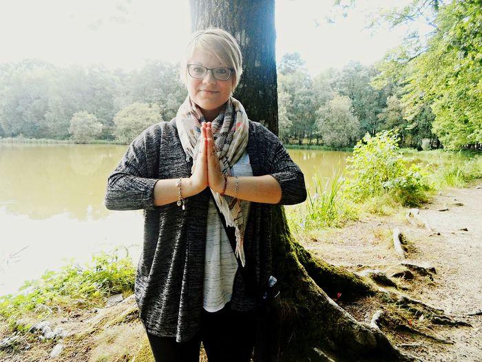 Missiz Gémeaux MonCombat Meditation Nature Foret Spiritualité SilléLeGuillaume Namaste Arbre