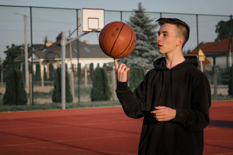 Sport Outdoors Basketball - Sport Athlete Court Basketball Player Sportsman Sport Basketball Hoop Sports Clothing Playing Ball Basketball - Ball Friend Basketball Physical Education Summer Sports