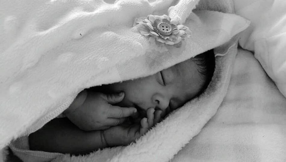 Mi Hija Y Yo  Mi Bebe!! ❤ Hijabbeauty Con Mi Bebe! Bebe Frjolita In The House Bebe Moment That's Me My Baby My Baby Girl <3