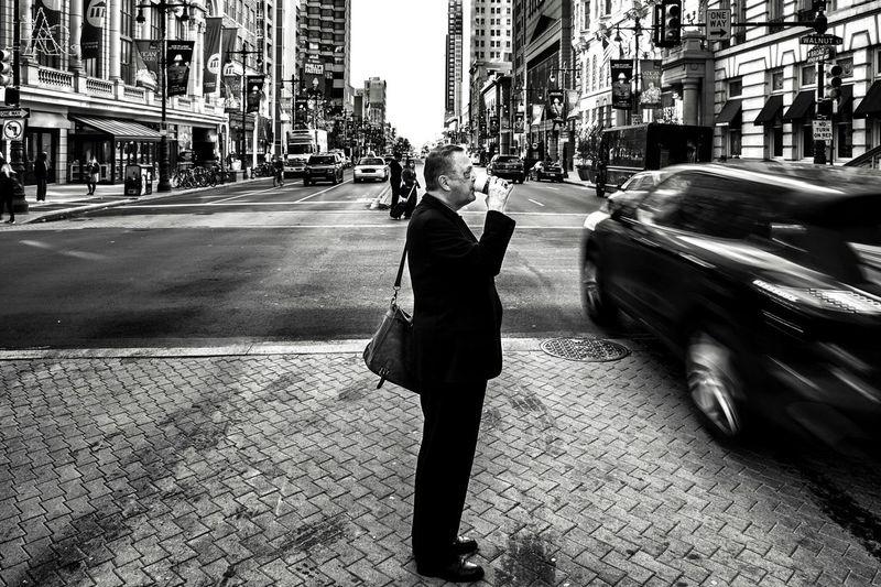 Coffee Break Street Streetphotography Philly Streetphoto_bw Streetphotography_bw Philadelphia Philadelphia Downtown City Life City View  Urbanphotography First Eyeem Photo