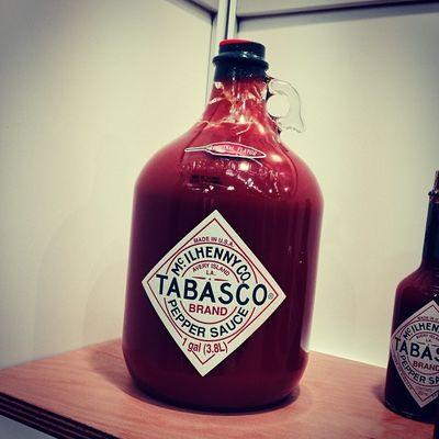 Hier bin ich richtig. #Tabasco galore... #INTERGASTRA Stuttgart Show Messe Tabasco Gallon Messestuttgart Tradefair Intergastra Gelatissimo Develey Gallone