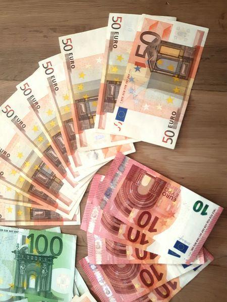 Money Euronote Euro Bills Geldscheine Geldschein  Financial District  Finanzierung Denomination euro bills in several denominations
