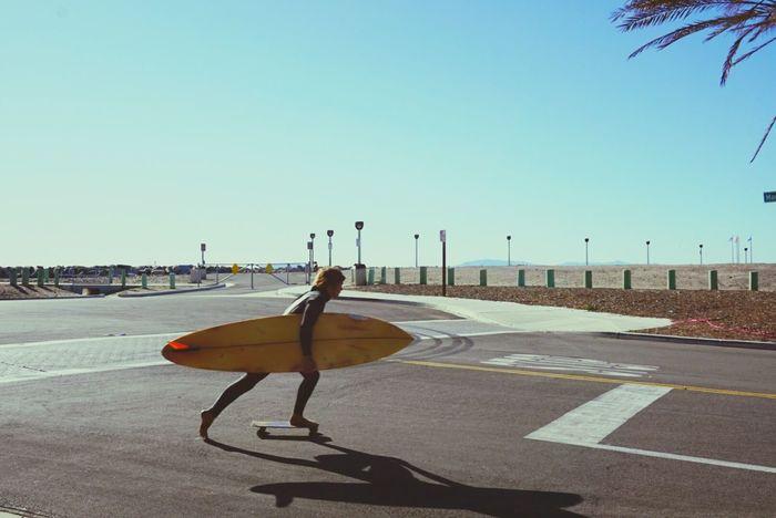 Streetphotography Silhouette California Sonya6000 Life Is A Beach Beach Photography The Week On Eyem Surfer On Skateboard Surfer Dude Showcase: January Surf's Up Surfs Sunset #sun #clouds #skylovers #sky #nature Beautifulinnature Naturalbeauty Photography Landscape [a: The Essence Of Summer The Street Photographer - 2017 EyeEm Awards