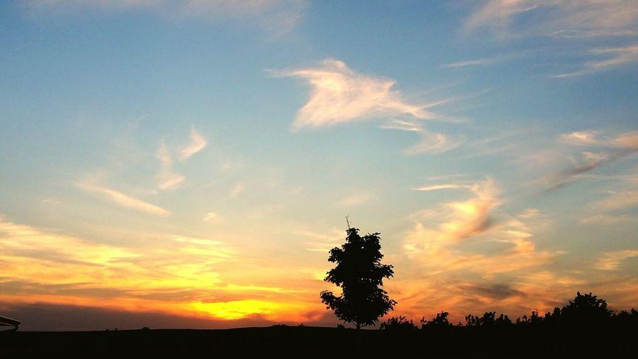 Garretson Sunset #sun #clouds #skylovers #sky #nature #beautifulinnature #naturalbeauty #photography #landscape Sunsetphotographs