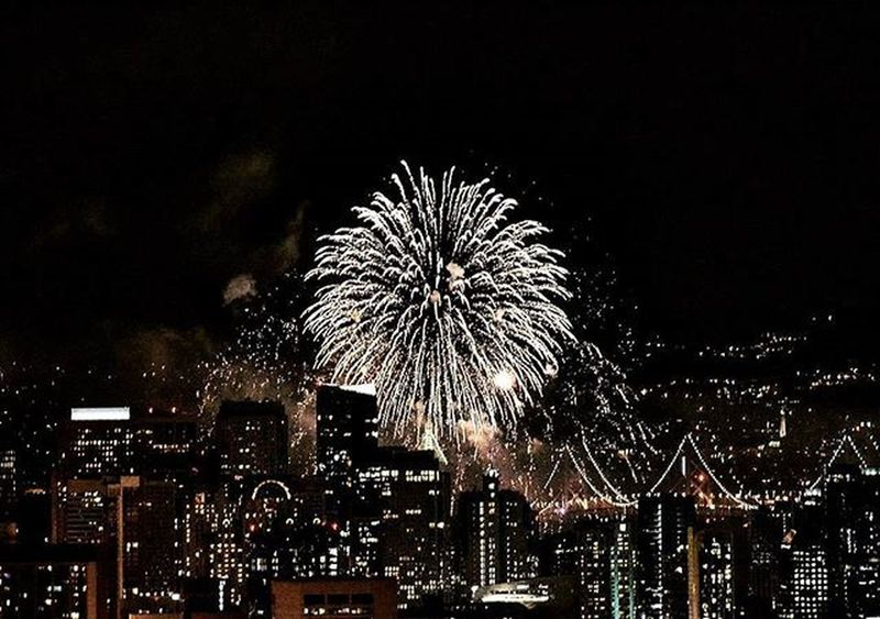 happy new year everyone! 🎉 ----------------------------------------------------- 2016 NYE Newyears Happynewyear Baybridge Fireworks Citylights Skyline Ca_shooterz Shoot2kill SF Sanfrancisco Sflife AlwaysSF Nowrongwaysf IgersSF Onlyinsf Sf_insta Instagood Photooftheday Peoplescreatives Lookslikefilm Letsgosomewhere Thecity_life Photographylovers photographyislifee photographysouls nikonphotography nikond3300