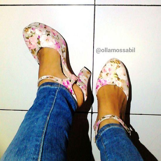 Photo by Request :-o ini yoss penampakan Shoesnya di kaki ku .. Palangkaraya lagi mendung .. xoxo .. Ignore my foot :-D