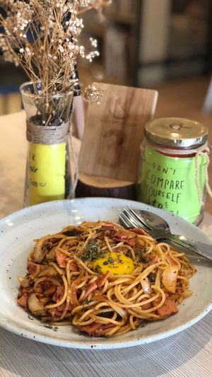 Mellowcup Foodie Georgetownpenang Penangcafe Cafe Freshness Wellbeing Indoors  Plate Pasta Close-up Jar Container Table Plant