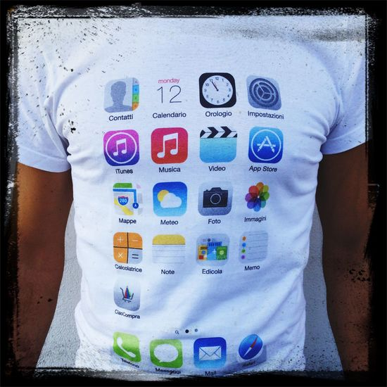 Tshirt Selfie IPhone Art Shopping