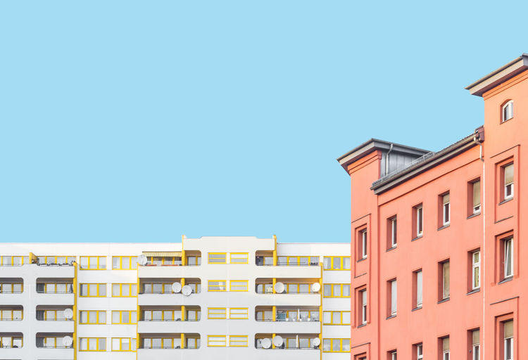 Plasticity Architecture Architecture_collection Berlin Building Exterior Built Structure Clear Sky Day Kottbussertor Minimalism No People Outdoors Pastel Residential Building Rule Of Thirds Sky Urban Geometry Minimalist Architecture The Graphic City