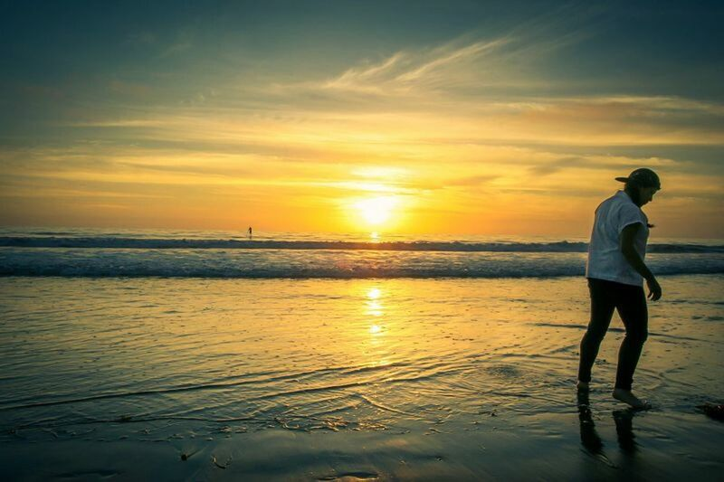 In loneliness I cant help but finding peace and blissHiphoplife Sunsetphotographs Beach Sunset Silhouettes Sunset_collection Sun_collection Sunphotography Seaside Seascape Sea And Sky Enjoying Life Enjoying The Sun Taking Photos California Love Relaxing Nature Photography Sunset Hip Hop Girl