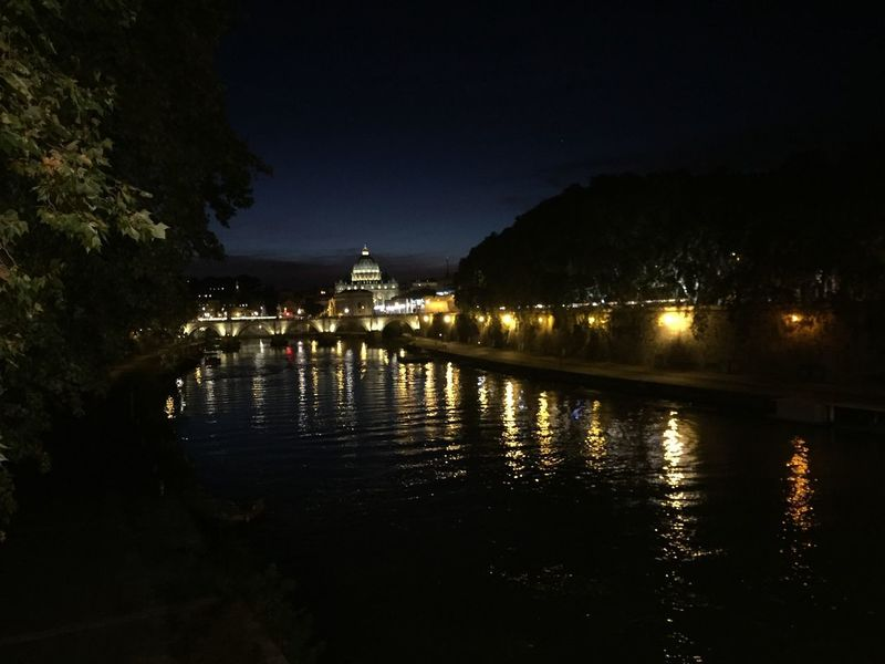 Engelsburg bei Nacht Vatican Rome Castle Sant'angelo Urban Illuminated Water Night Architecture Reflection Built Structure Building Exterior No People River Moving Around Rome