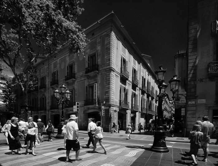 Rambla de Barcelona , Palacio Moja Blackandwhite Monocrome Tour-thecity.com Travel Building Exterior Built Structure Real People Large Group Of People City