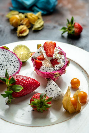sweet temptation of dragon fruit Breakfast Snack Food Healthy Eating Diet Lunch Food Colorful Calories Mittagstisch Mittagessen Essen Healthy Lifestyle Nature Dragon Fruit Rainbow Cream Sweet Fruits
