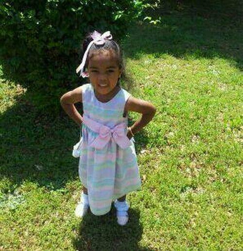 I love this little girl ! <3