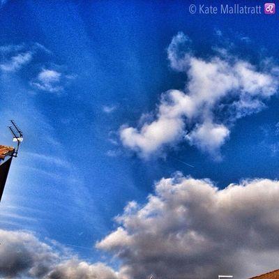Bluesky Skyporn Skypainters Skysnappers Cloudporn Cloudy Sunny Sky Nottinghamshire Kirkbyinashfield Snapseed Impression Igers IGDaily Ig_masterpiece Instapic Instacool Instagood Instamood Instadaily Igersnottingham K8marieuk