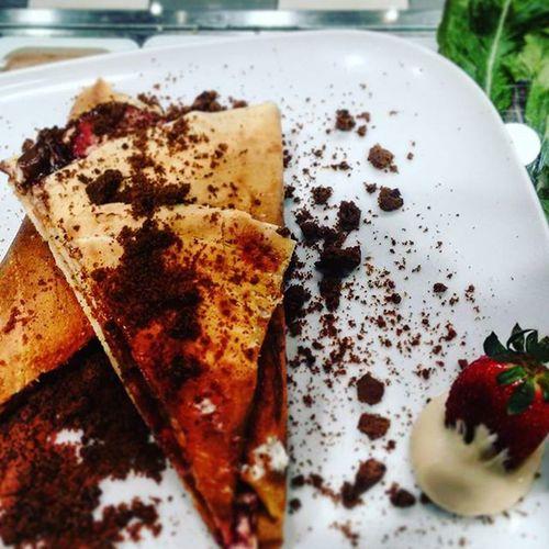 Cheesecake x Chocolate x strauberries Crepe Crepelovers Lautrecrepe Yammy