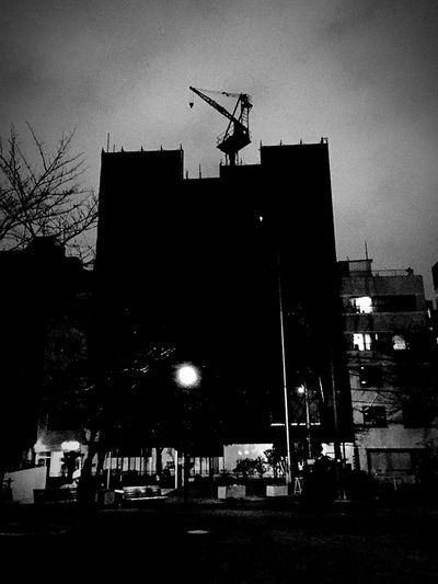 Playing Shadow Tetris , Building City Nights  . 建物 工事 夜