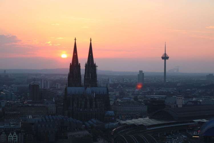 Cologne Sunset Kölner Dom Urban Skyline Cityscape City Skyscraper Architecture No People Sky Tower Downtown District Classic Lights Colors Nofilter Noedit First Eyeem Photo Eye4photography  Eye4photography  EyeEm Best Shots EyeEm Gallery EyeEm