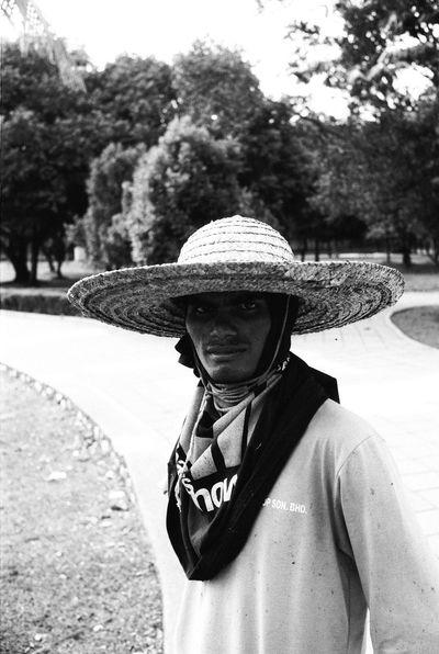 Stranger portrait 35mm Film Leicacamera Leica M6 Film Filmisnotdead Filmphotography Analog Portrait Believeinfilm Keepfilmalive Streetphotography Blackandwhite Bnw Ishootfilm Keep Film Alive